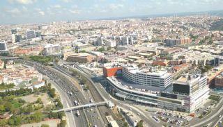 Schlüsselfertige Büros, umgeben von allen Annehmlichkeiten in İstanbul, Istanbul / Eyup - video