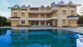 Unieke villa te koop dichtbij het strand in Kocaeli, Kocaeli / Centrum