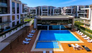 Spacious Modern Apartments Intertwined by Nature in Kocaeli, Kocaeli / Basiskele