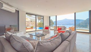 Fully Furnished Kalkan House 250 mt to the Beach, Interior Photos-1