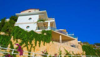 Villas de 5 Chambres Meublées et Abritées à Kalkan, Kalkan / Centre - video