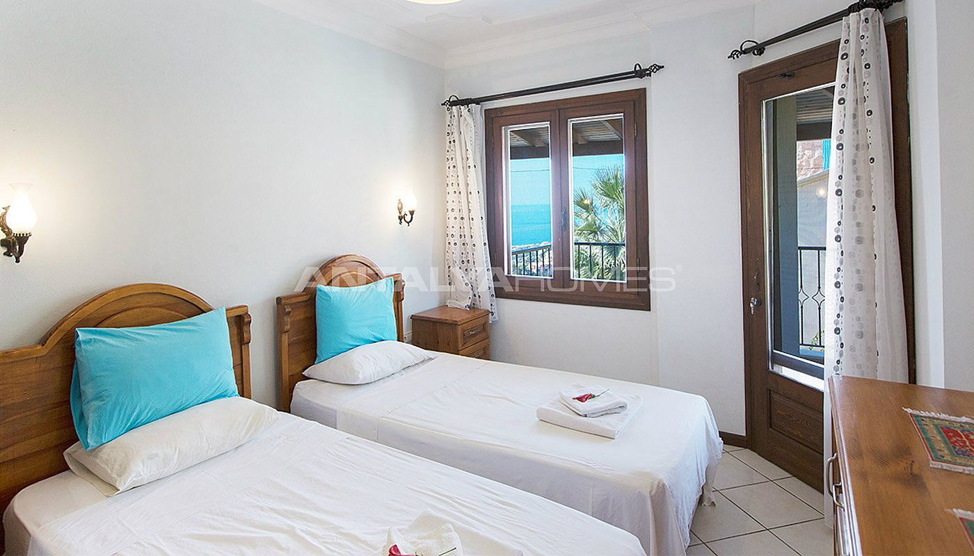 Furnished kalkan house in turkey with private pool for Big 3 bedroom house