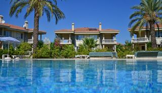 Semi-Detached Kemer Villa with Extensive Social Amenities, Kemer / Camyuva - video