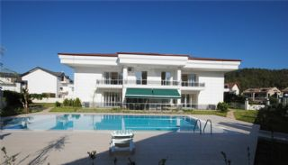 Boutique Style Apartments in Kemer Downtown, Kemer / Center - video