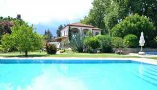 Fullt möblerad privat villa i Kemer Tekirova, Kemer / Tekirova - video