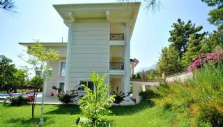 Nature-Friendly Kemer Villa with Private Swimming Pool, Kemer / Arslanbucak - video
