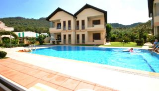 Semi-Detached Houses in Kemer Center with Mountain View, Kemer / Center