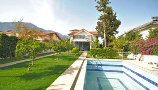 Kemer House with Furniture Surrounded by Greenery, Kemer / Center - video