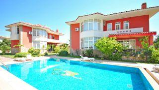 Ruime gemeubileerde huizen te koop in Kemer Antalya, Kemer / Camyuva