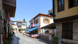 Well-Located Commercial Property in Kaleici Antalya, Antalya / Kaleici - video