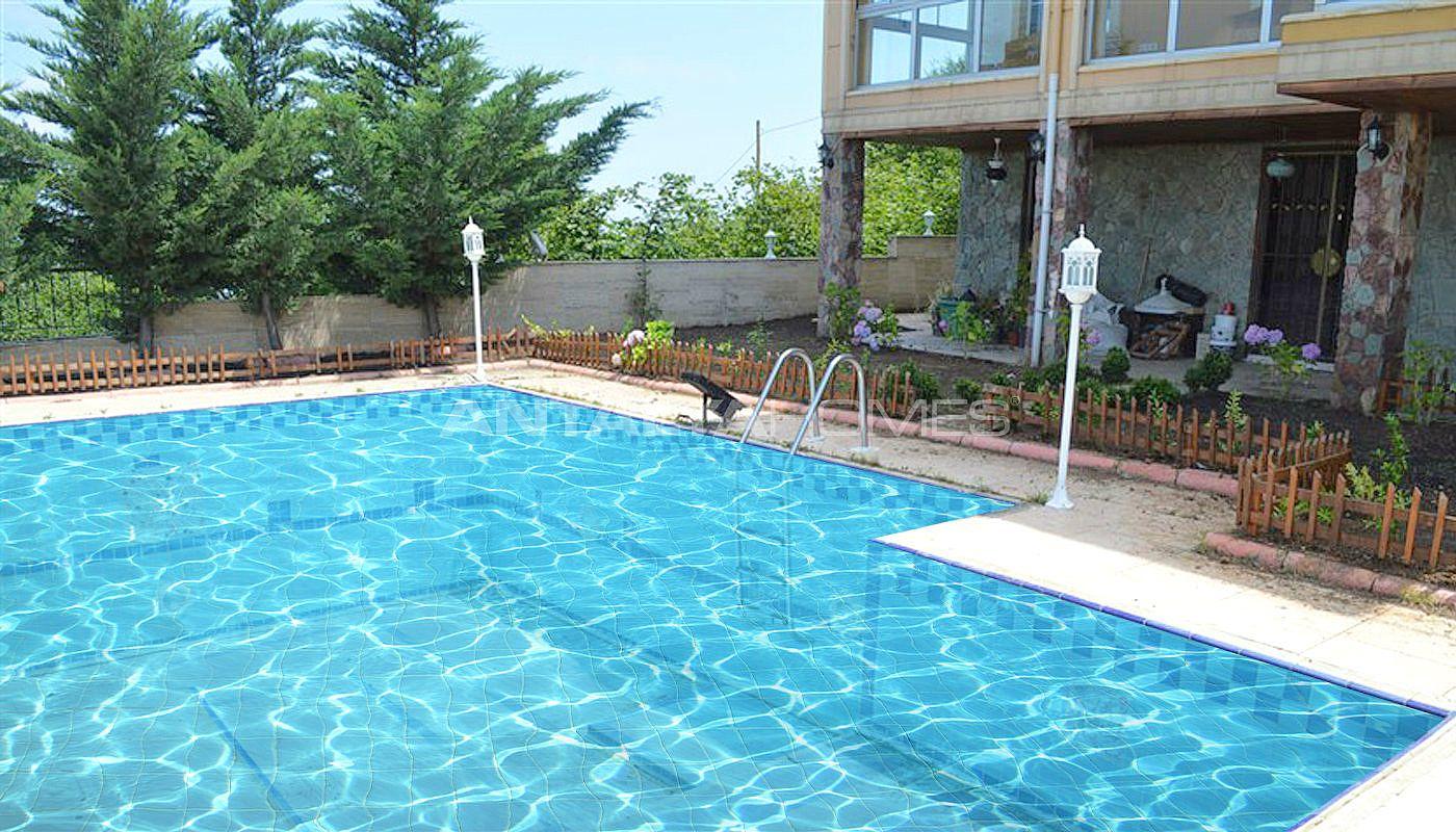 Villas de luxe vendre trabzon avec piscine priv e for A vendre villa de luxe