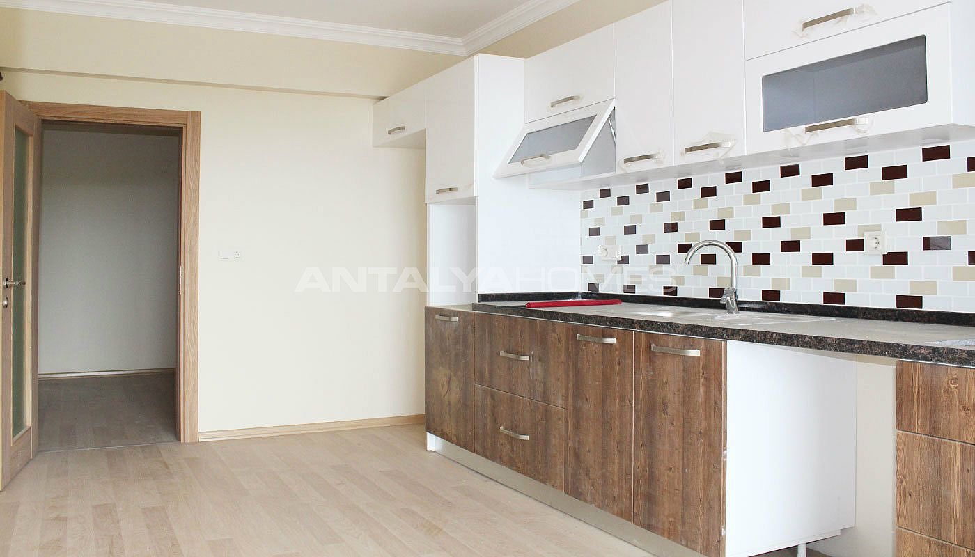 fertige trabzon immobilien in der n he des flughafens. Black Bedroom Furniture Sets. Home Design Ideas