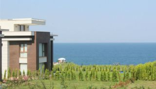 Seafront Villa in Trabzon with Private Car Parking, Trabzon / Yalincak