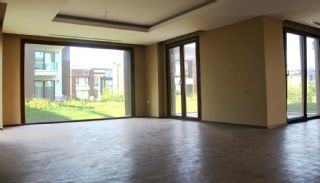 Seafront Villa in Trabzon with Private Car Parking, Interior Photos-2