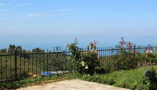 Zee en natuurzicht Trabzon-huizen met privétuinen, Trabzon / Ortahisar - video
