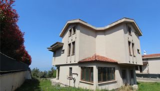Sea and Nature View House with Private Pool in Mudanya, Bursa / Mudanya